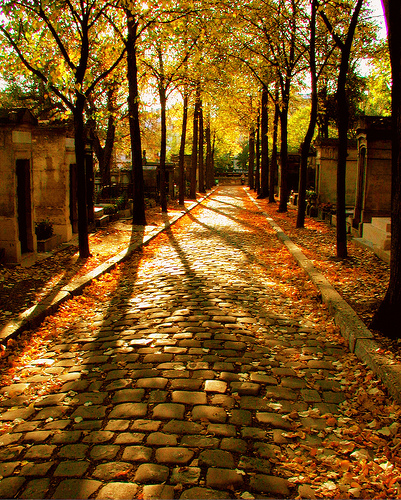 Père-Lachaise cemetery, Paris/France. October 2005.